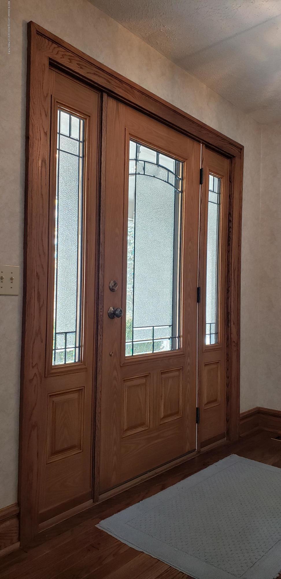 14403 Center Rd - center front door inside - 10