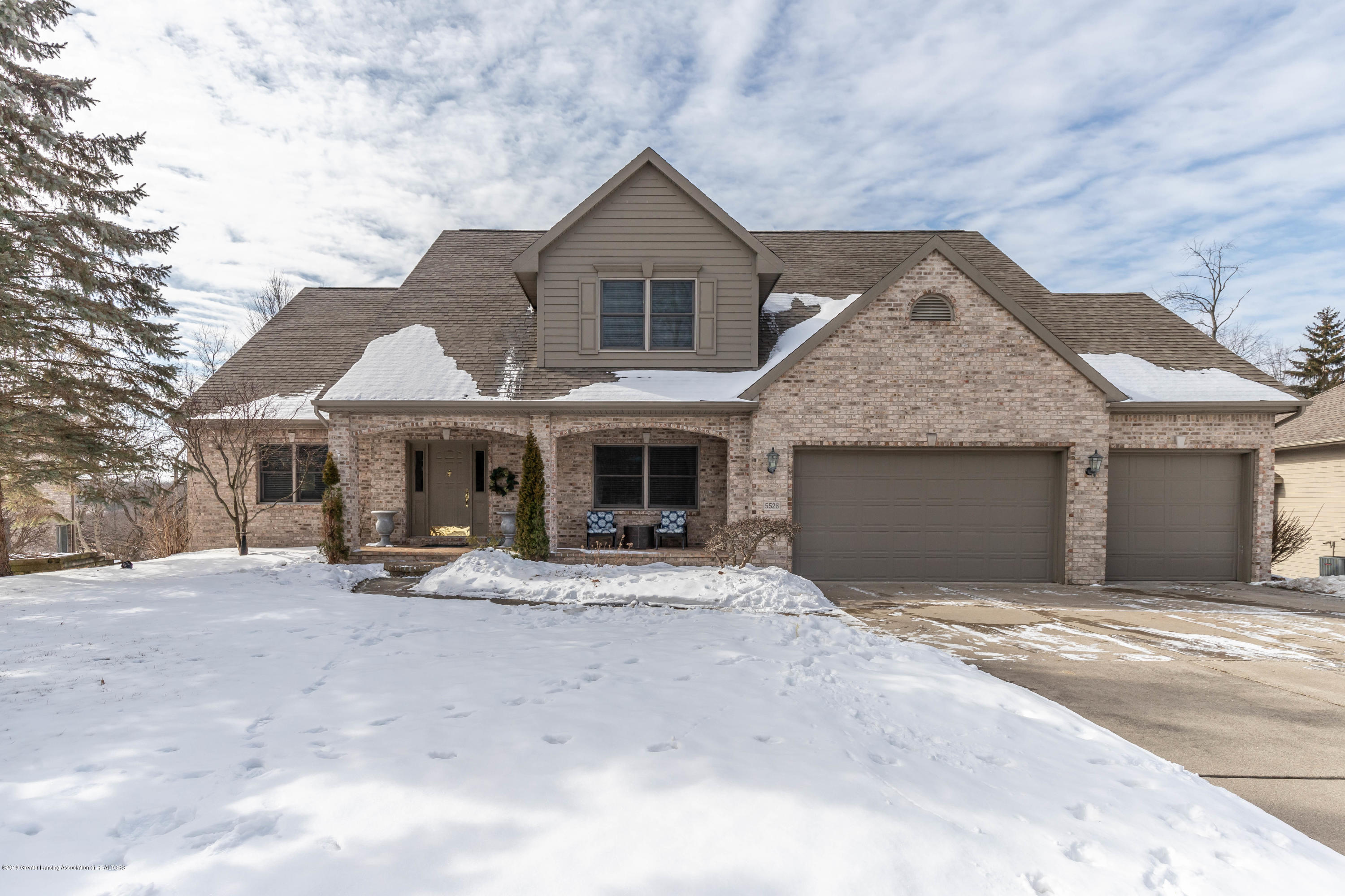 5528 Silverleaf Ct - Great curb Appeal! - 1