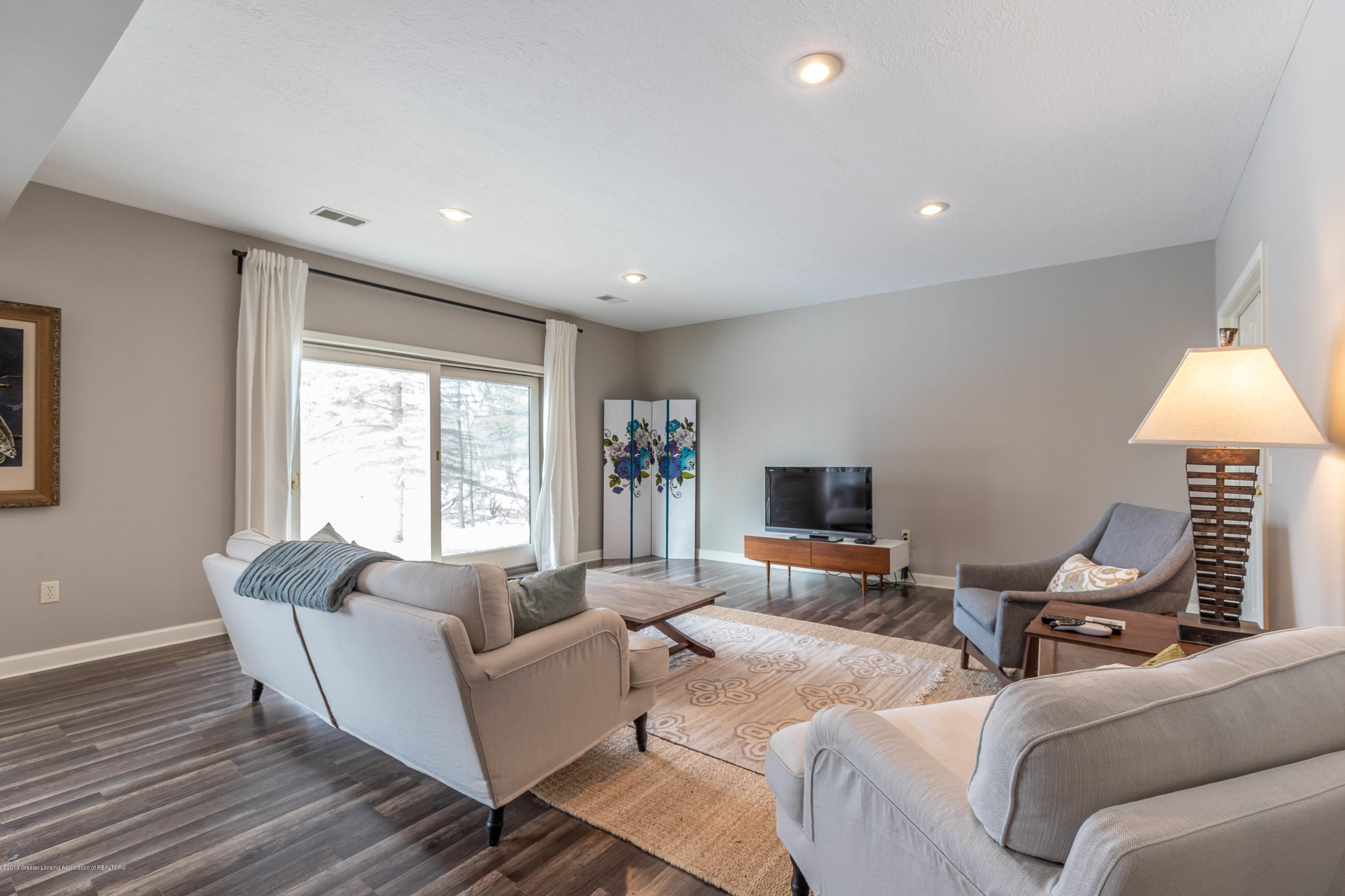 5528 Silverleaf Ct - Lower Level Family Room - 40