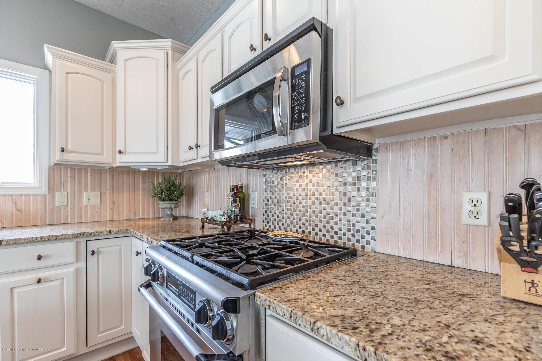 5528 Silverleaf Ct - Kitchen - 15