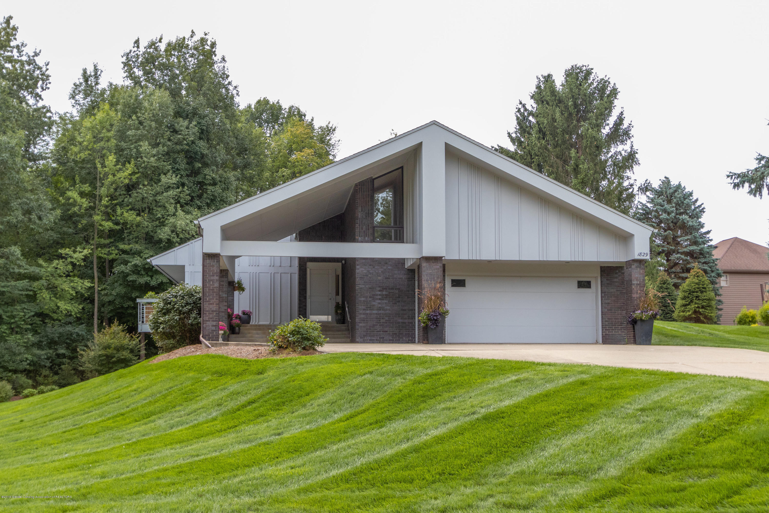 1829 Spring Lake Dr - Front View - 8