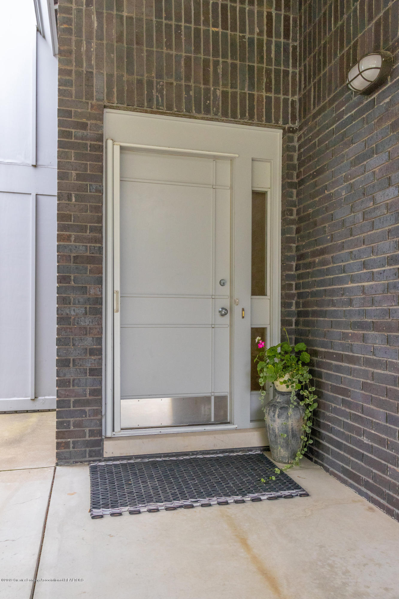1829 Spring Lake Dr - Front Entry - 12