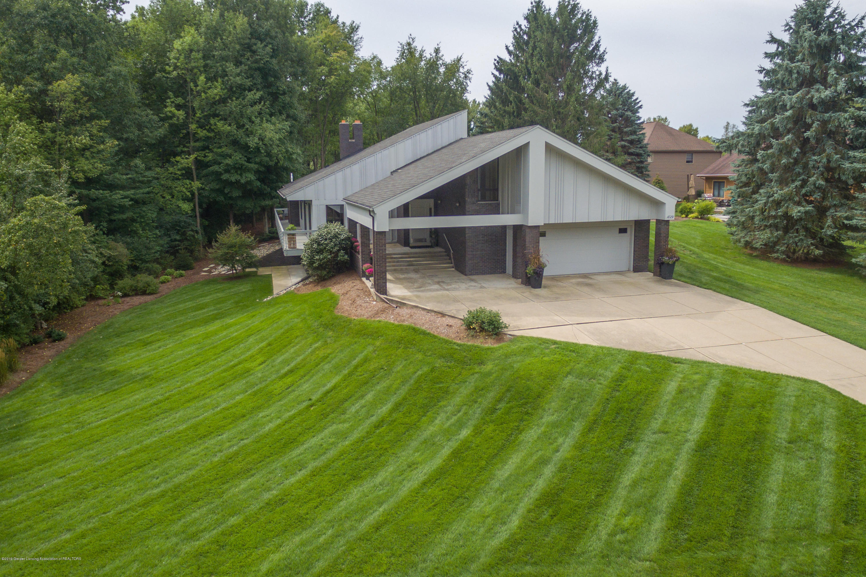 1829 Spring Lake Dr - Front View - 4