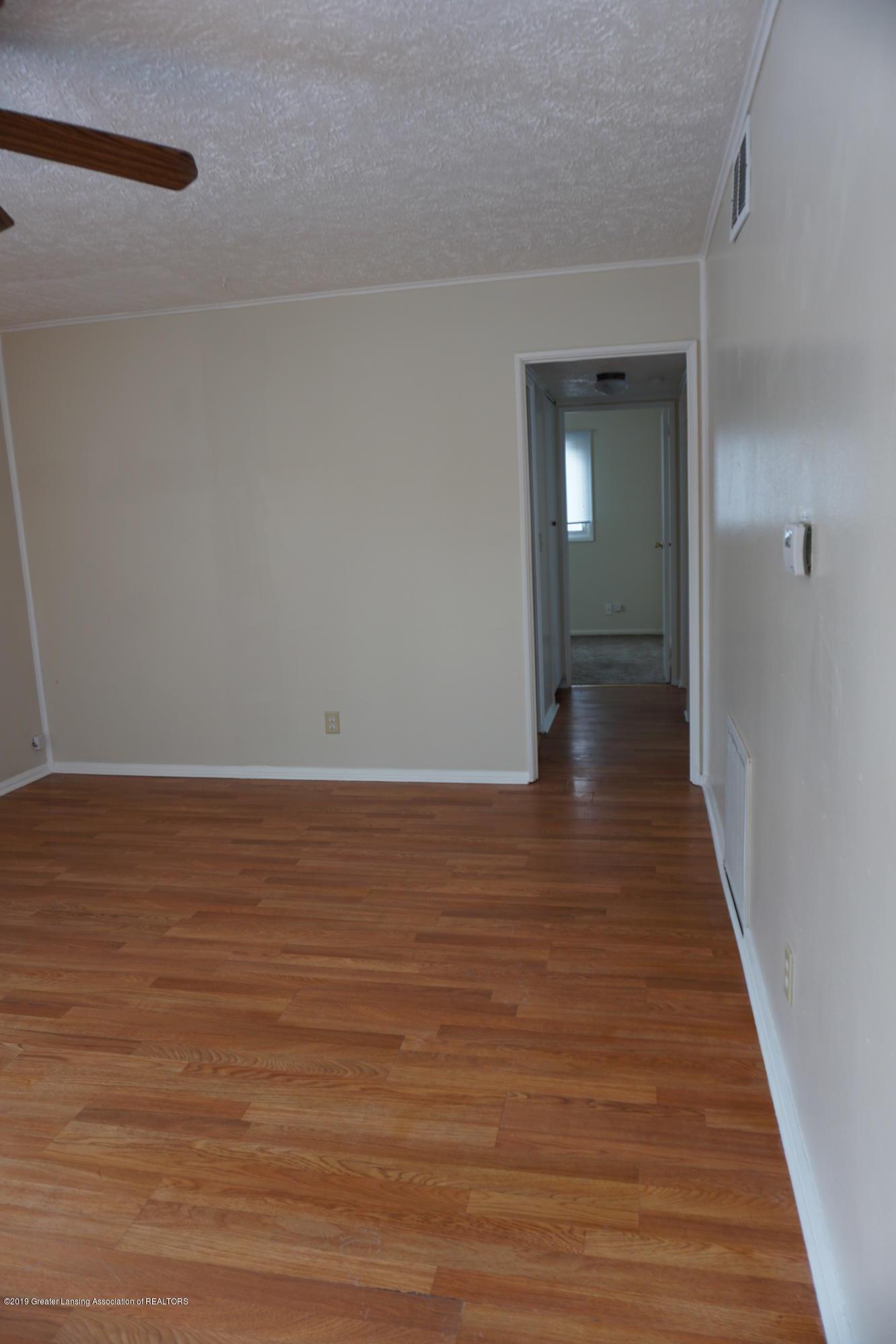 4604 Kathy Ct - Hallway - 6