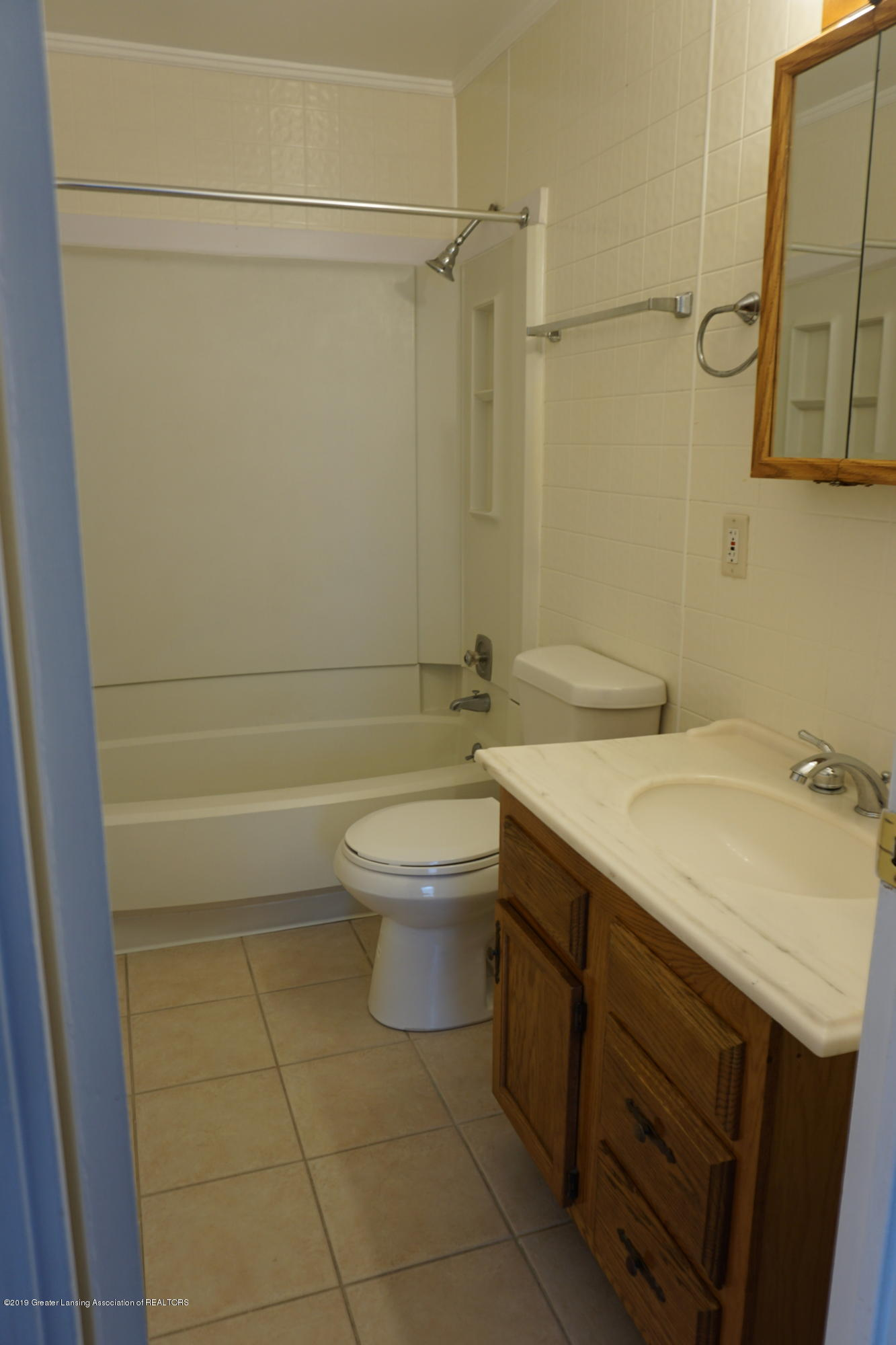4604 Kathy Ct - Full Bath - 7
