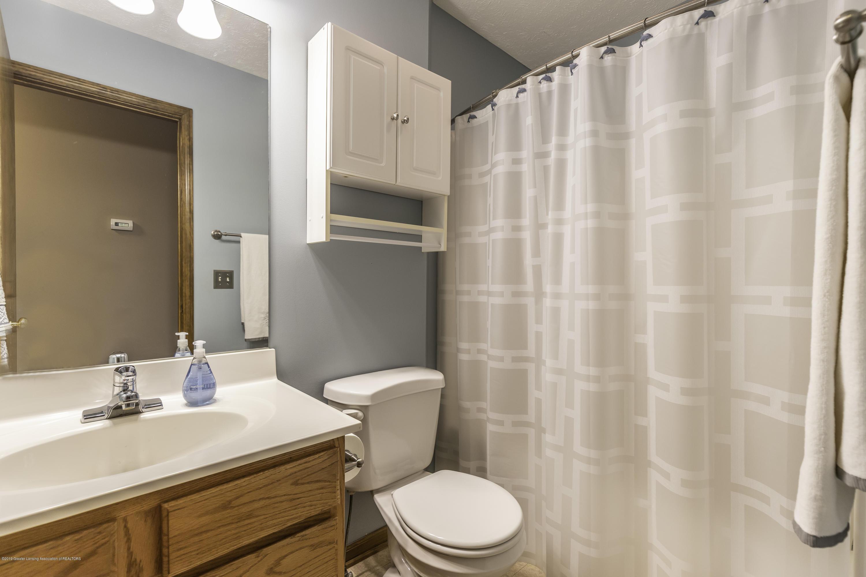 13826 Mead Creek Rd - Main Floor Full Bathroom - 26