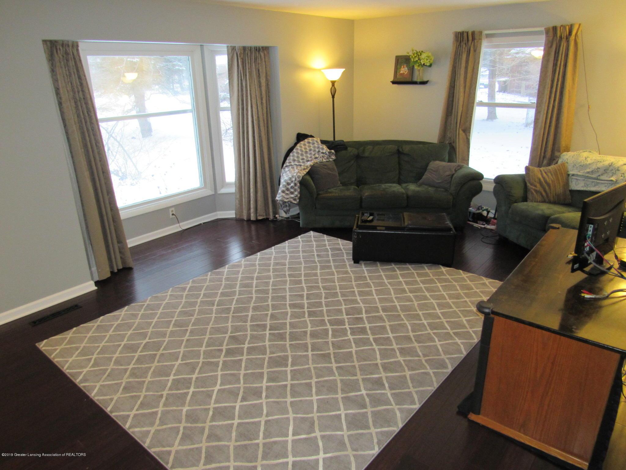 3466 Beechwood Dr - Living Room - 3