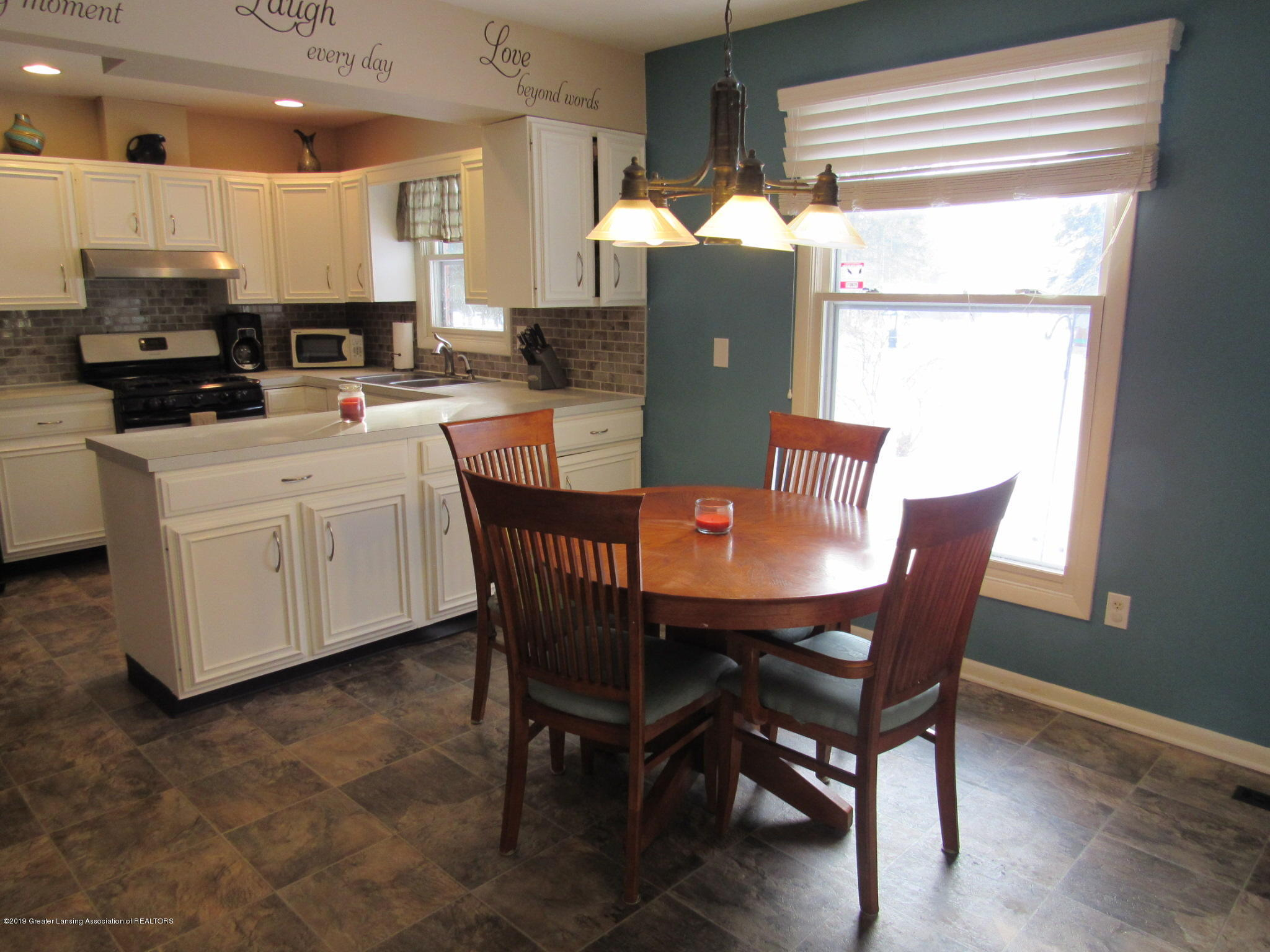 3466 Beechwood Dr - Dine to Kitch - 8