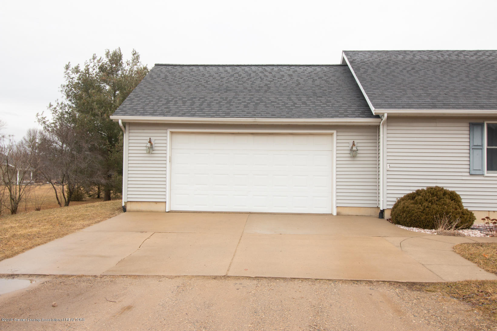 10380 Devereaux Rd - Garage - 22