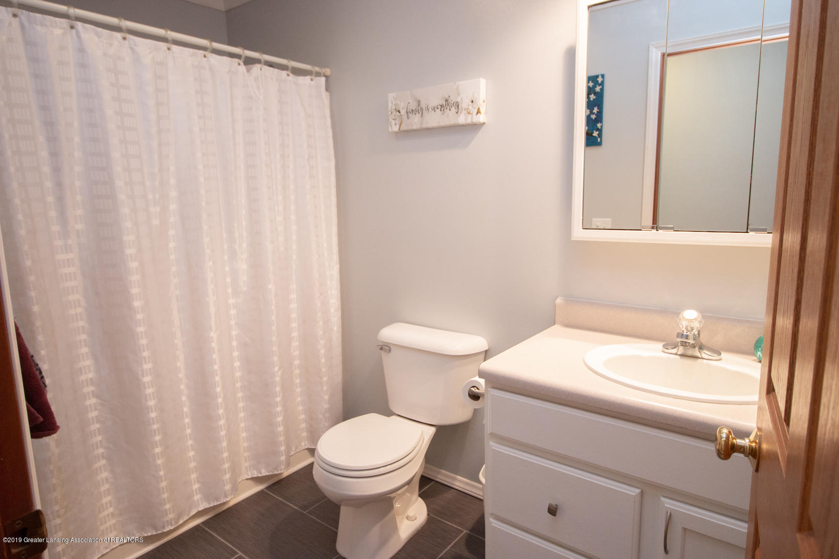 10380 Devereaux Rd - Bathroom  2 - 20