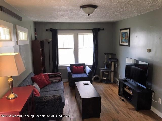 243 E Gier St - Living room - 4