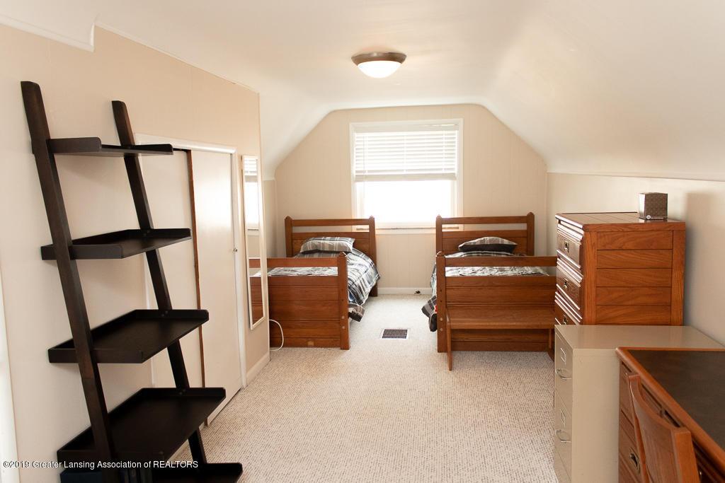 427 N Edgeworth Ave - Upstairs - 7