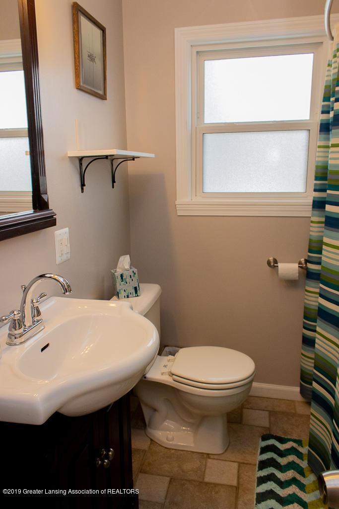427 N Edgeworth Ave - Bathroom - 9