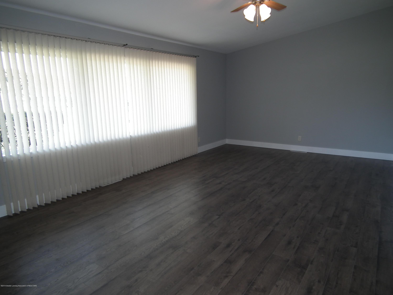 4123 Marmoor Dr - Living Room b - 5