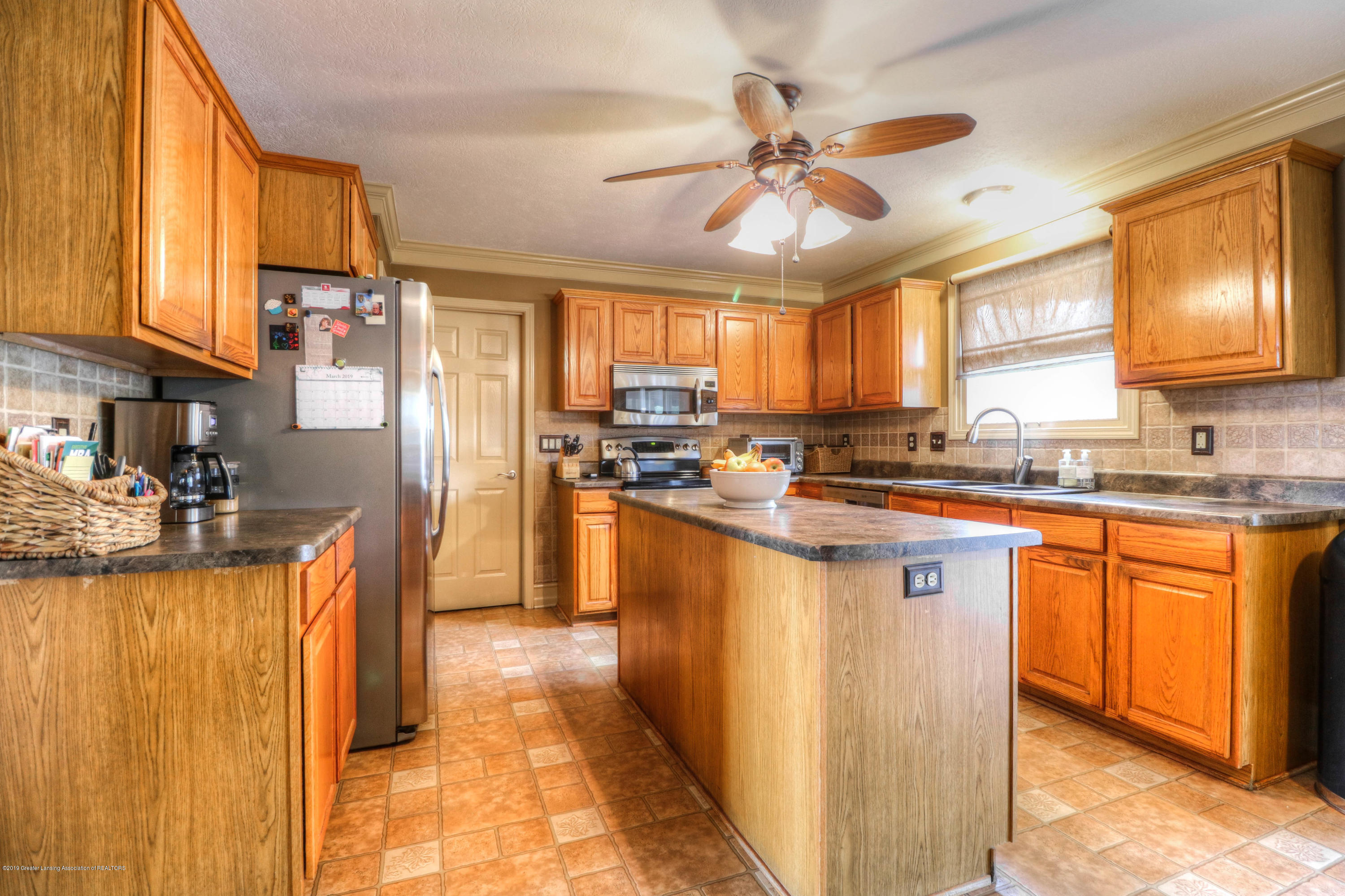 2181 Moorwood Dr - Kitchen - 4