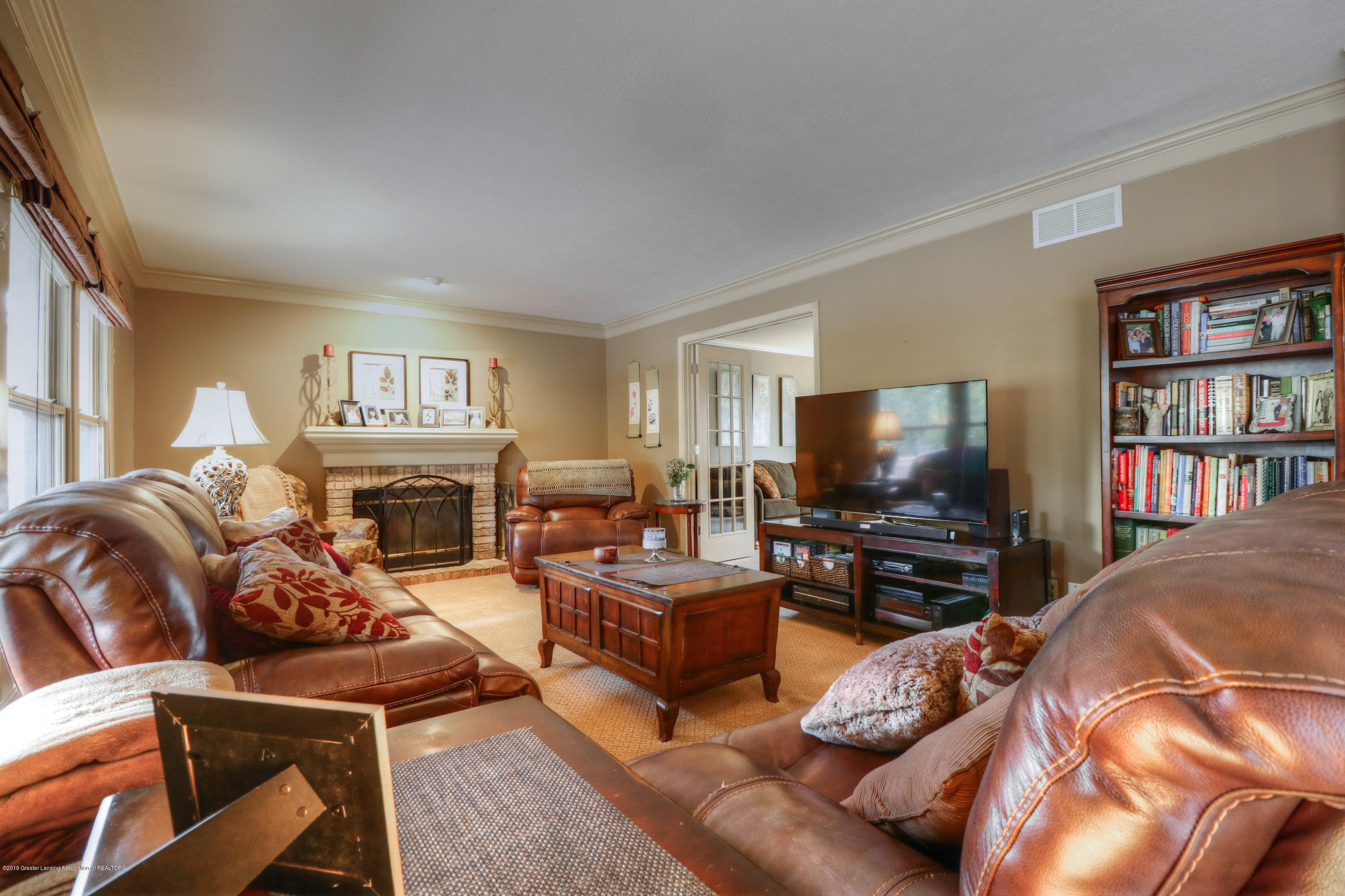 2181 Moorwood Dr - Living Room - 8