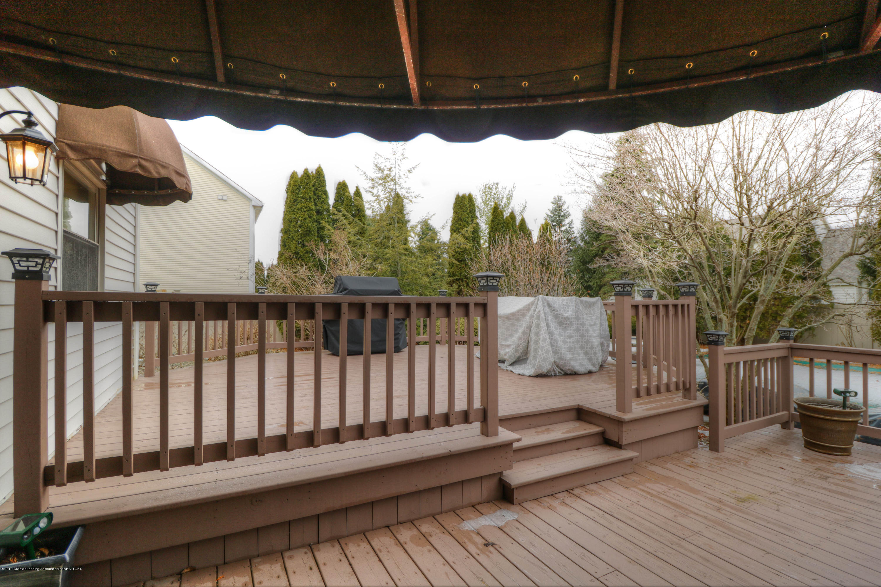 2181 Moorwood Dr - Raised Deck - 27