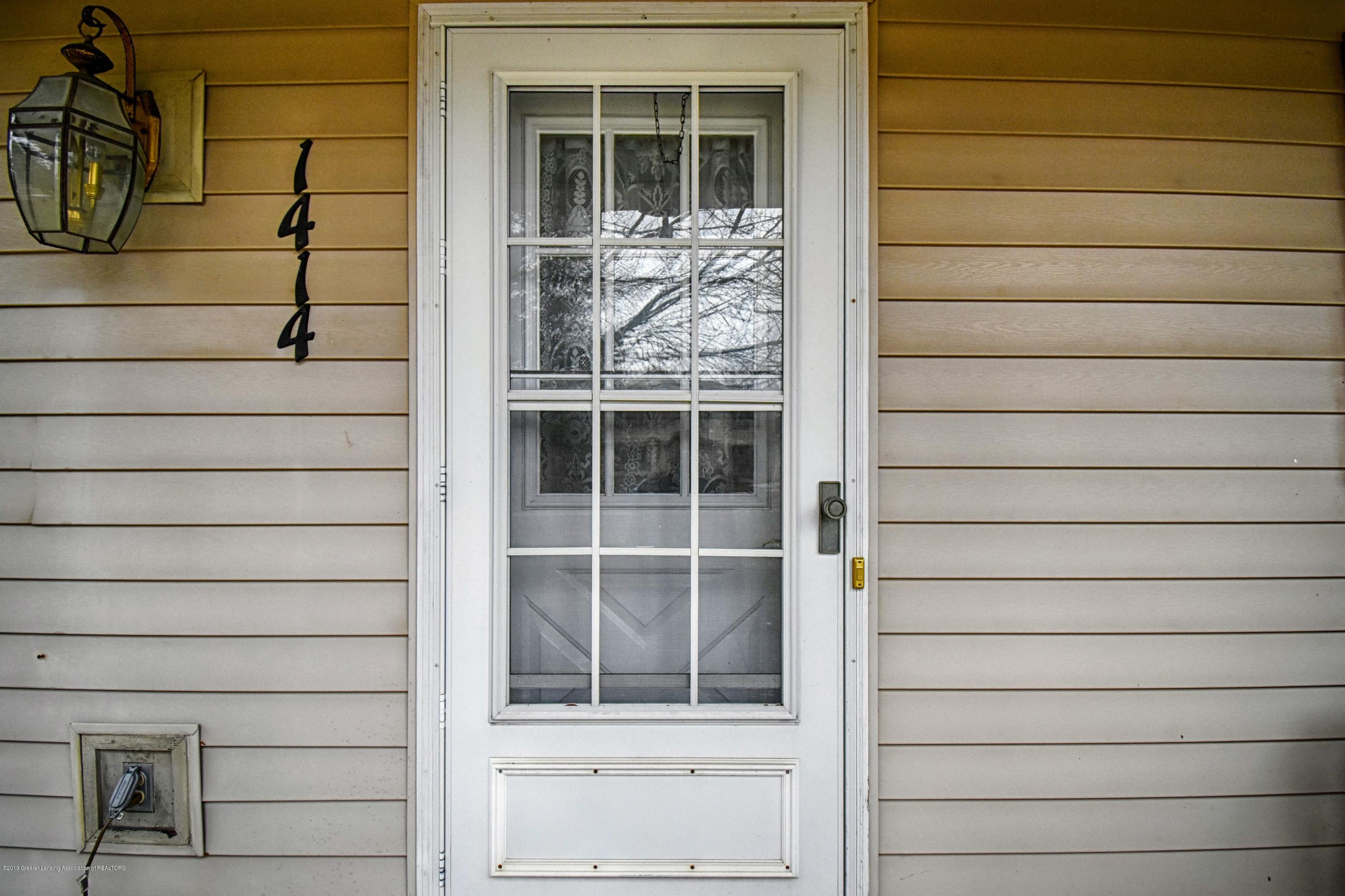 1414 Forest Hills Dr - Front Door - 2