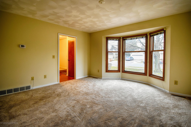 1414 Forest Hills Dr - Living Room - 4