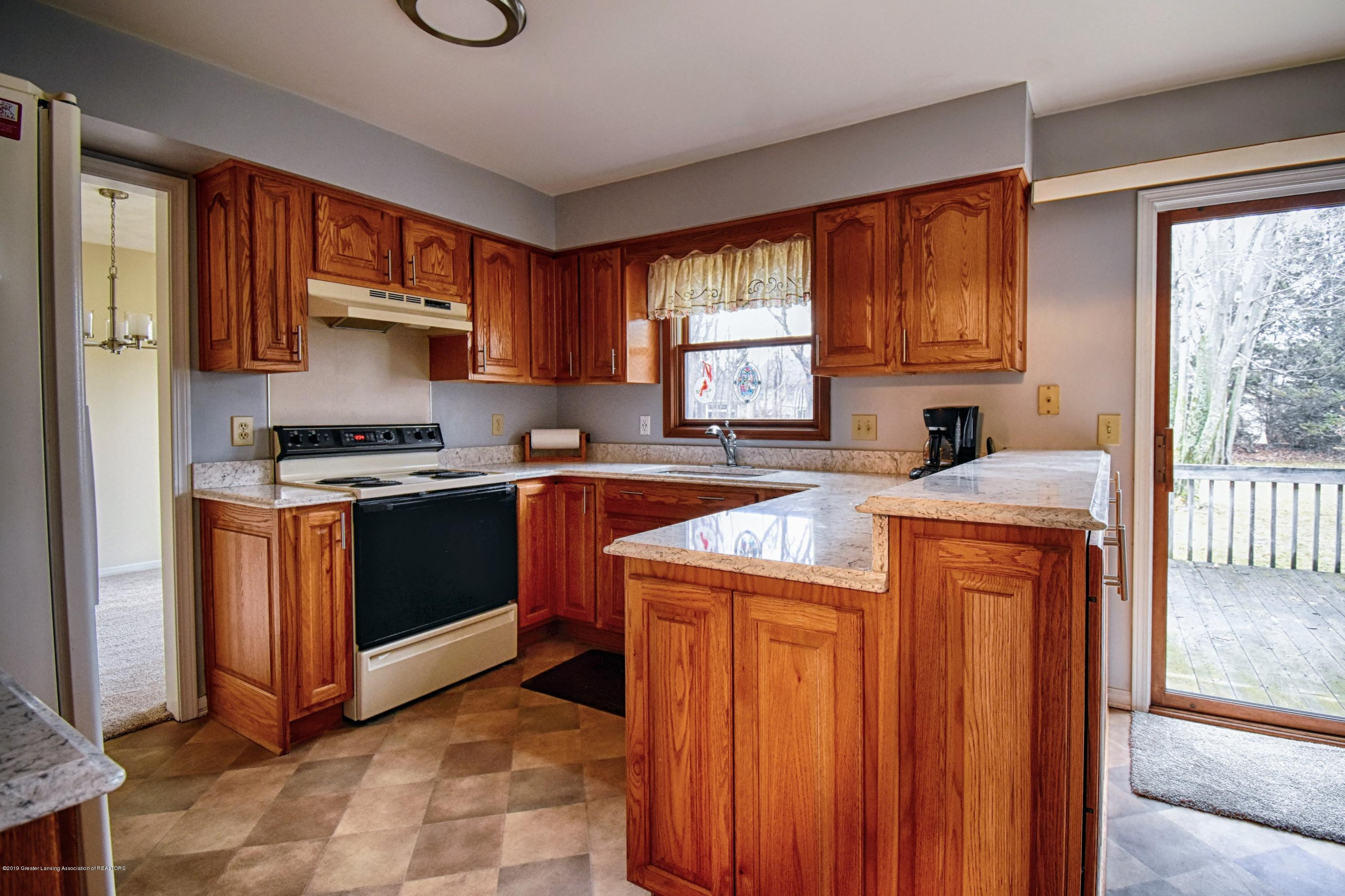 1414 Forest Hills Dr - Kitchen - 6