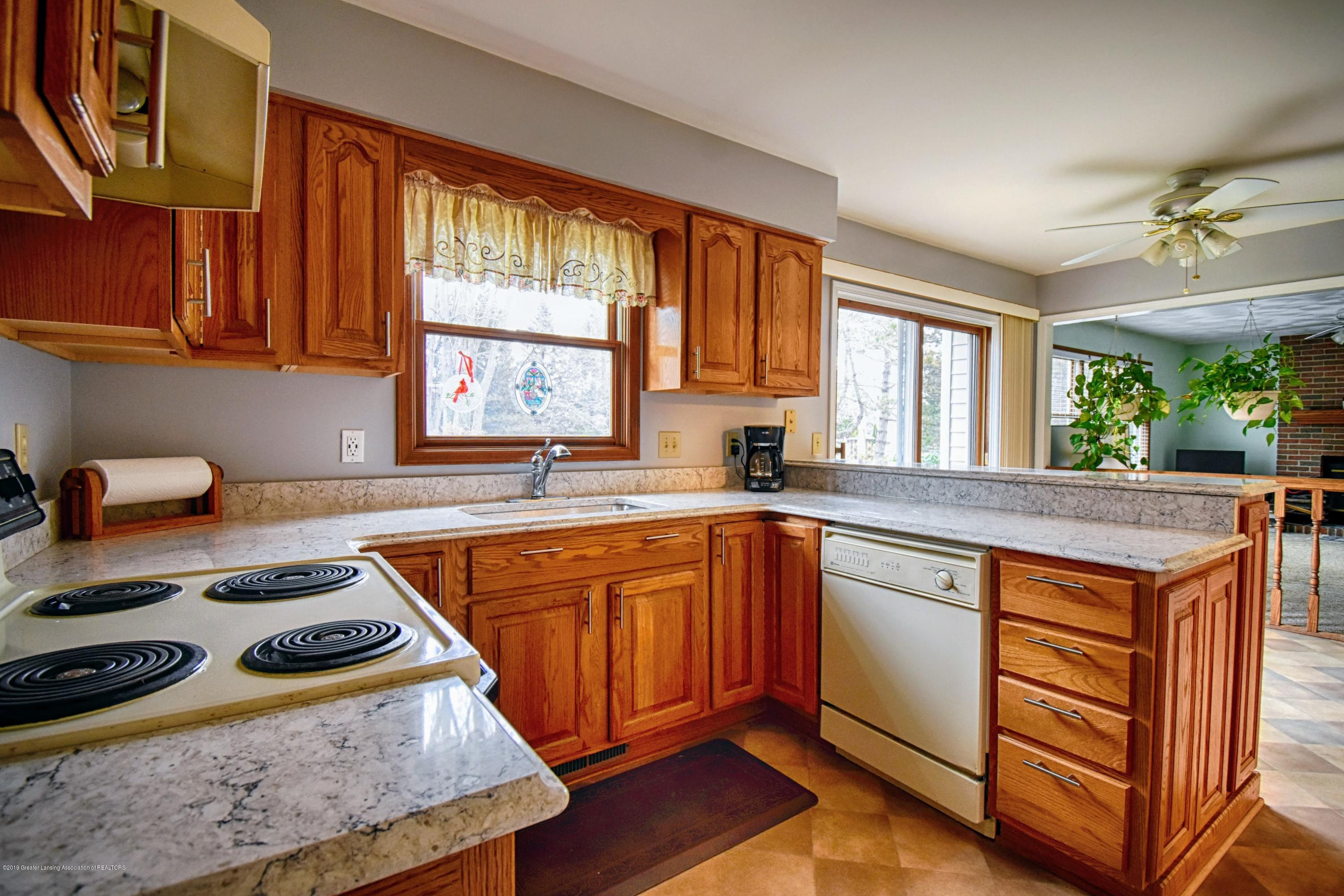 1414 Forest Hills Dr - Kitchen - 8