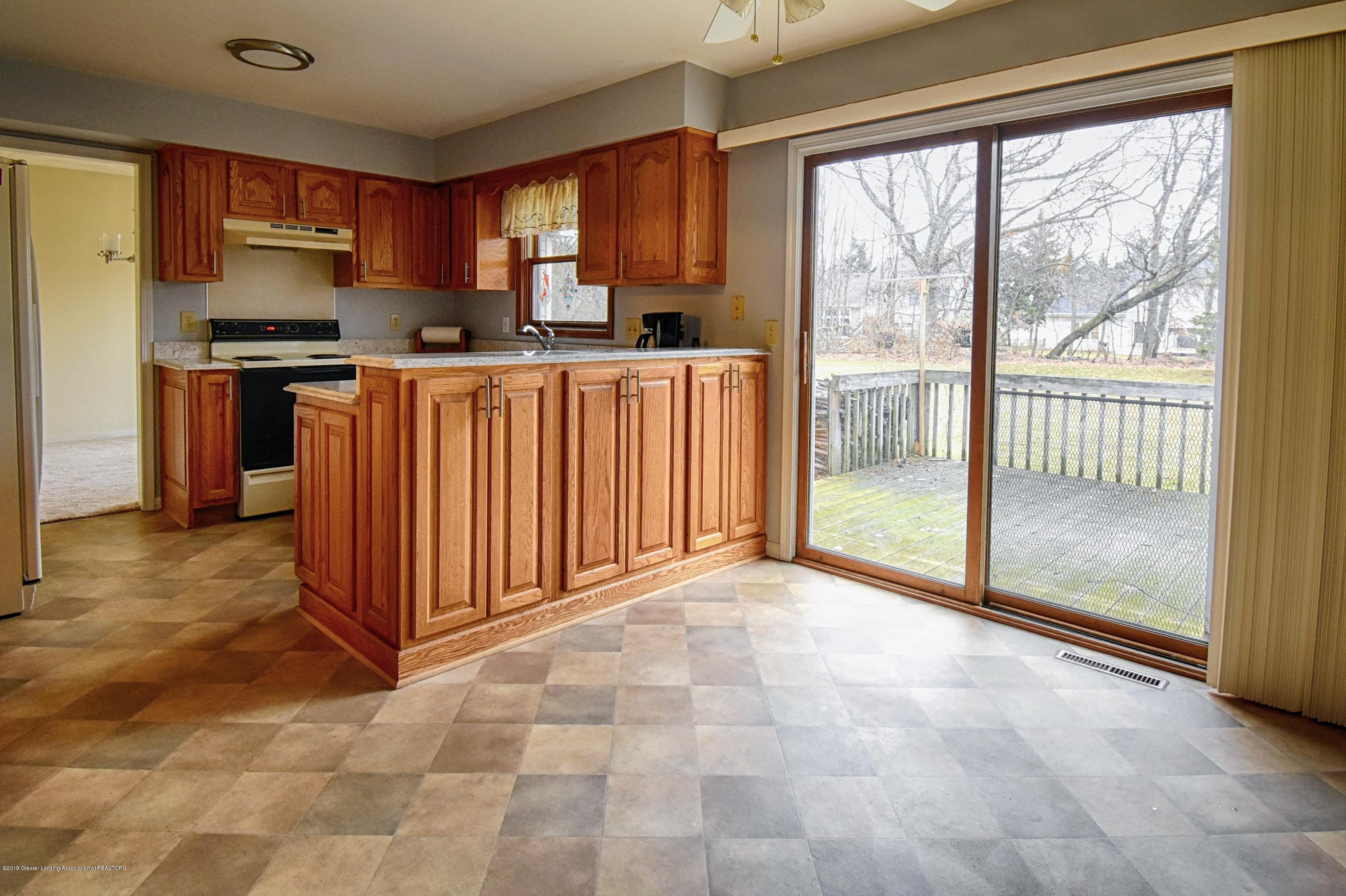 1414 Forest Hills Dr - Kitchen - 9