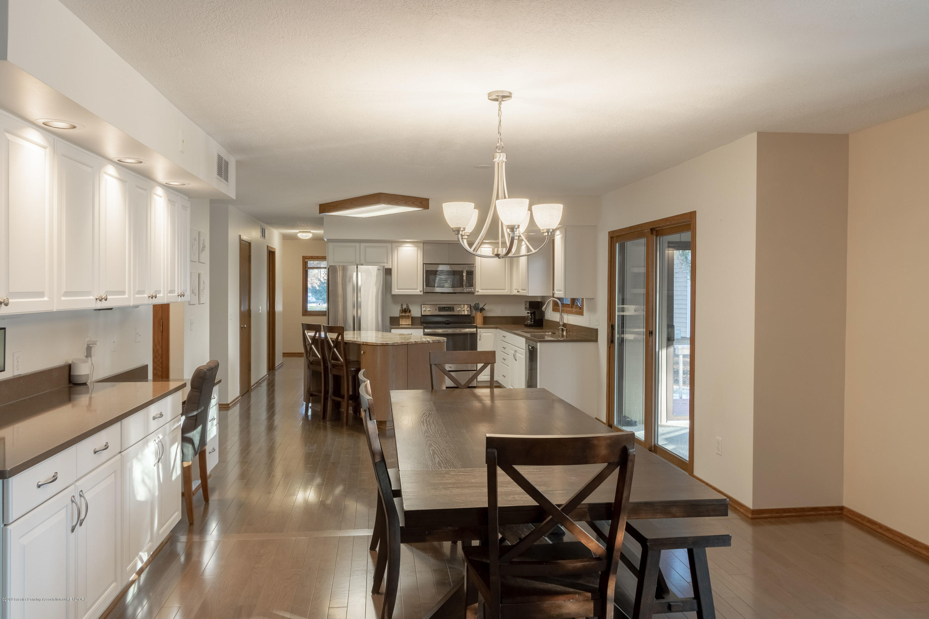 2543 Dustin Rd - Wonderful open concept plan. Kitchen din - 22