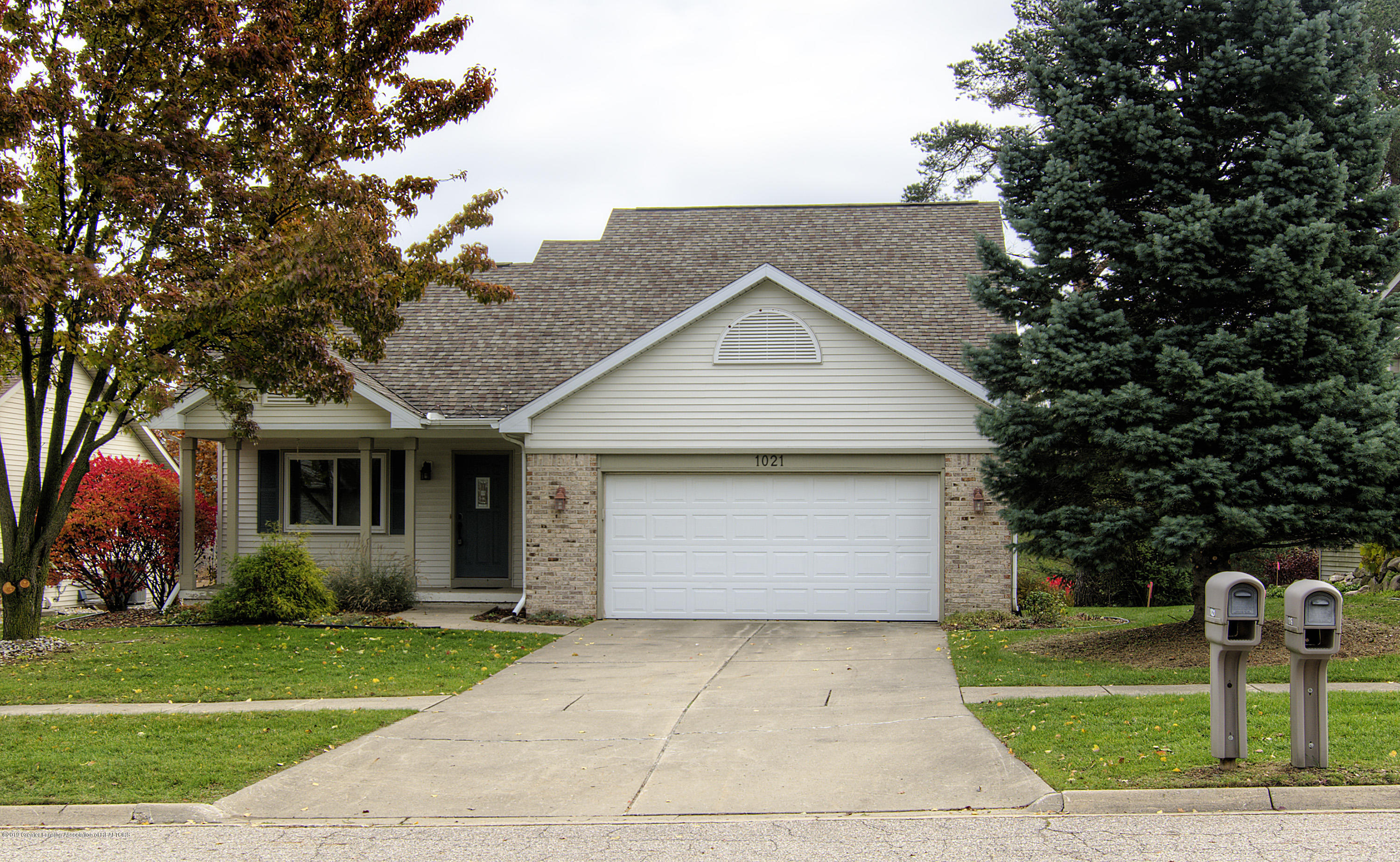 1021 Red Cliffe Dr - front - 1