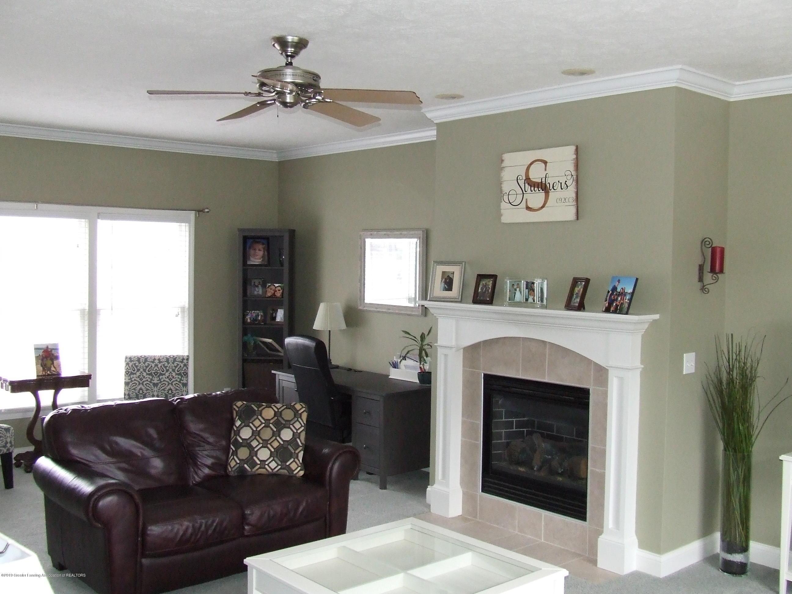 11641 Millstone Dr - Living room - 7