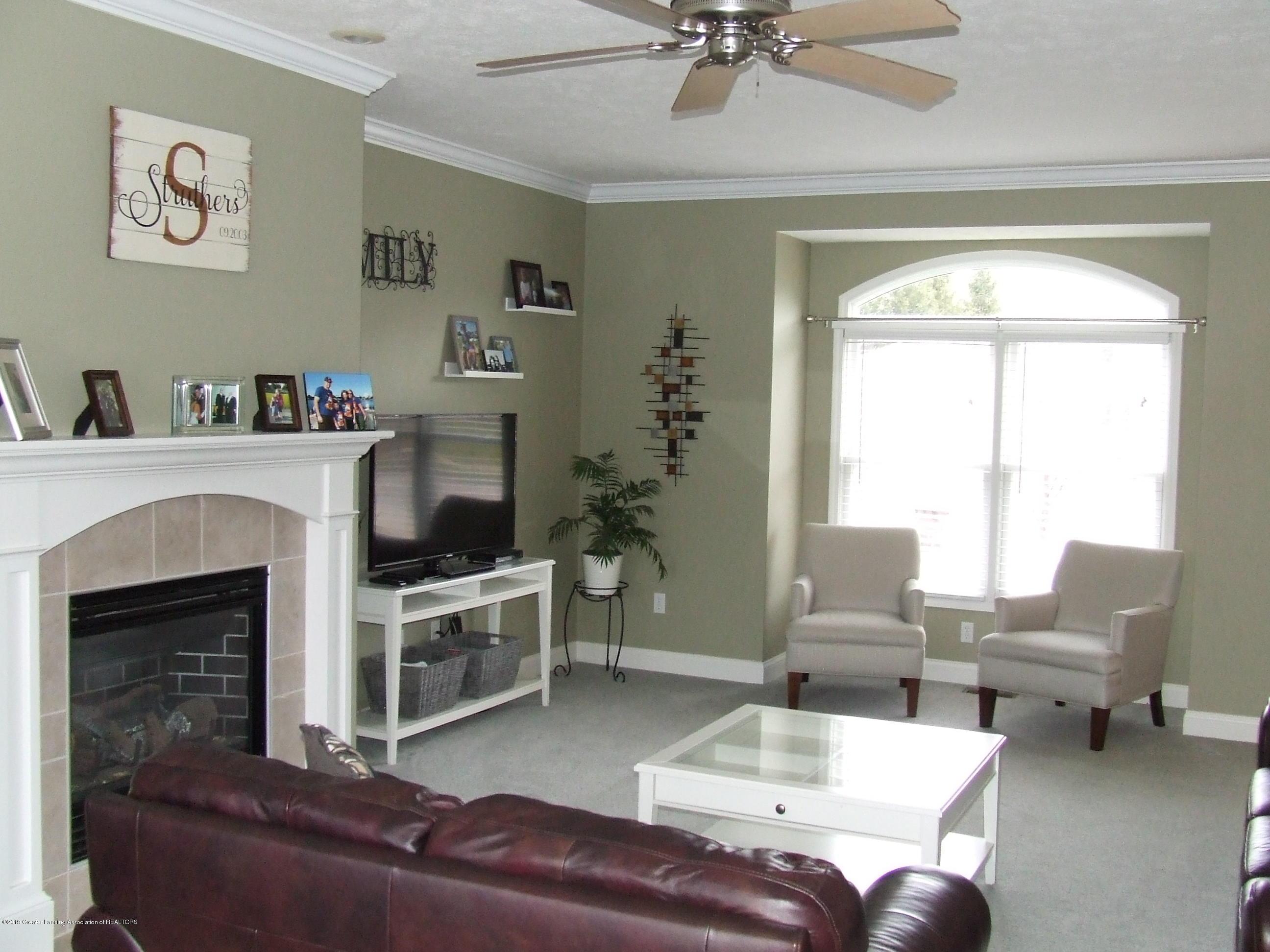 11641 Millstone Dr - Living room - 6