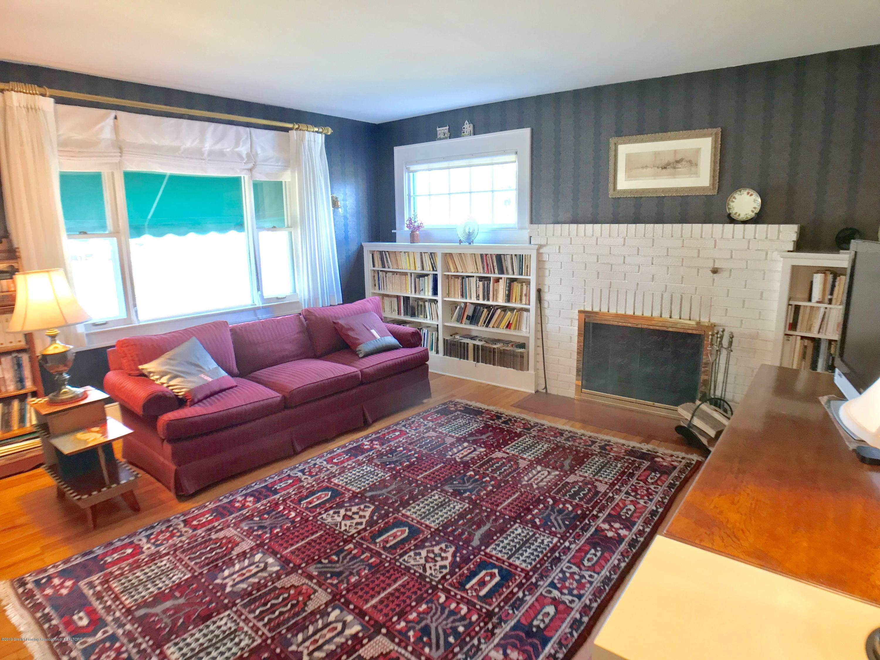 246 University Dr - Library - 21