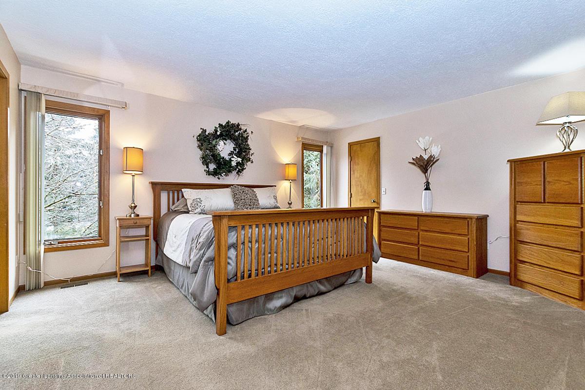 1259 Mizzen Dr - MASTER BEDROOM - 20
