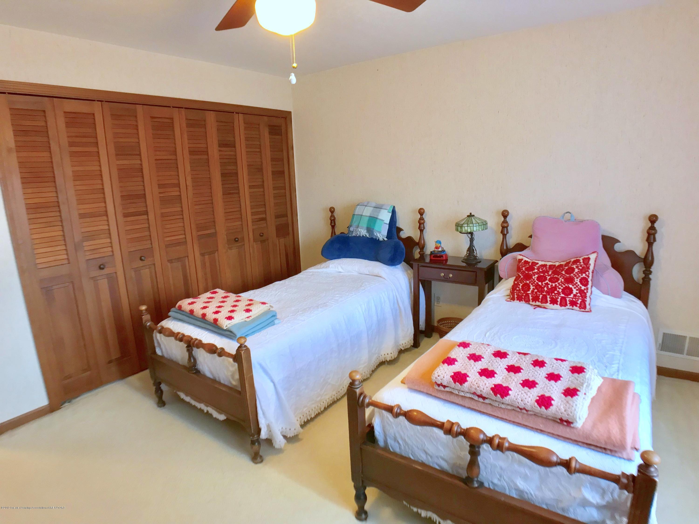 1858 Cimarron Dr - Bedroom 2 - 26