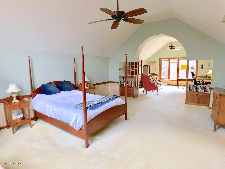 1858 Cimarron Dr - Master Bedroom - 16
