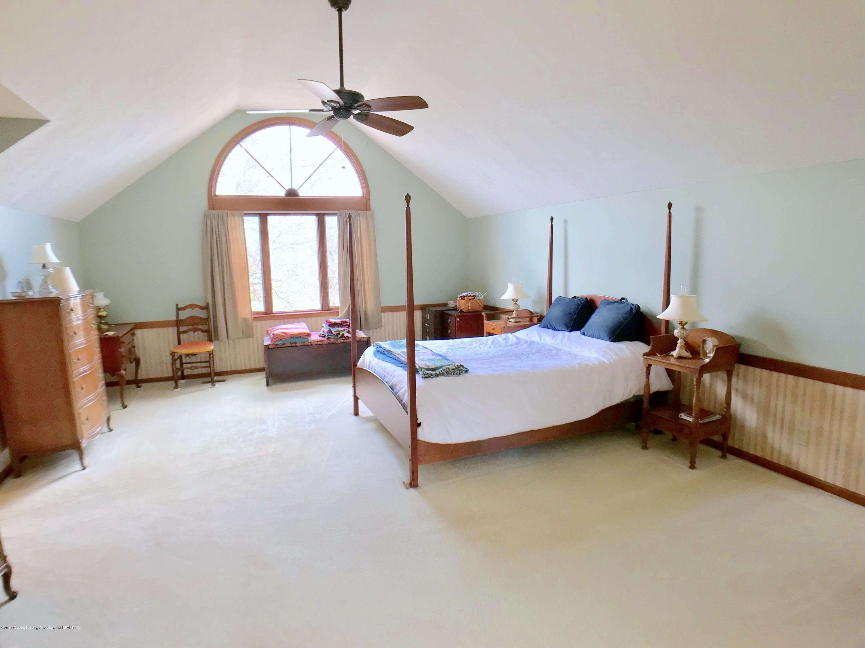 1858 Cimarron Dr - Master Bedroom - 17