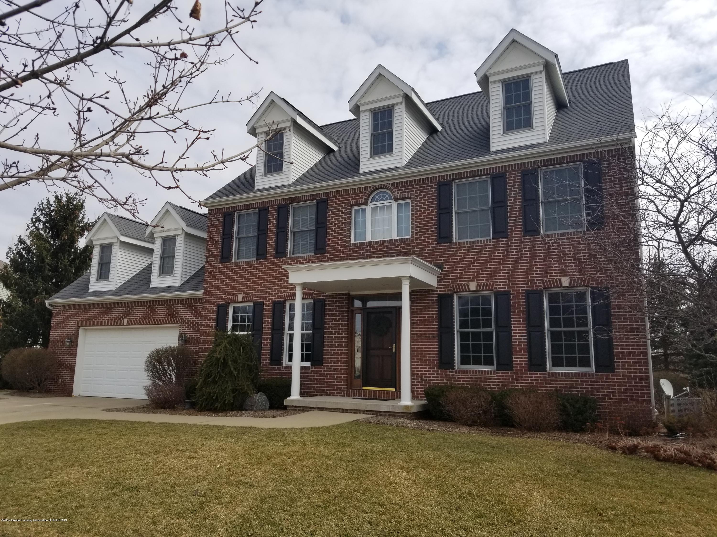 426 Ravenwood Ct - front2 - 1
