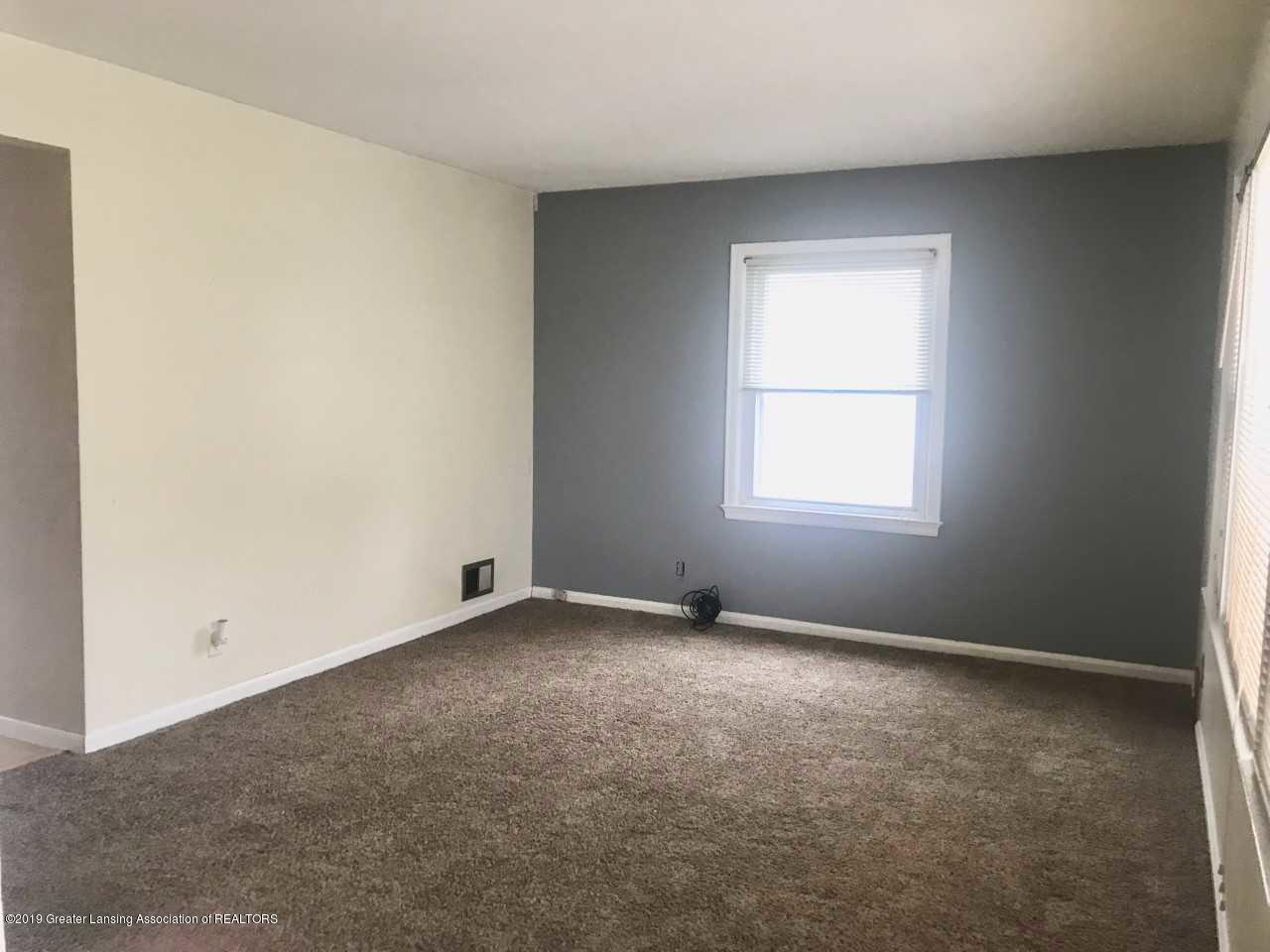 1800 W Michigan Ave - Living room - 3