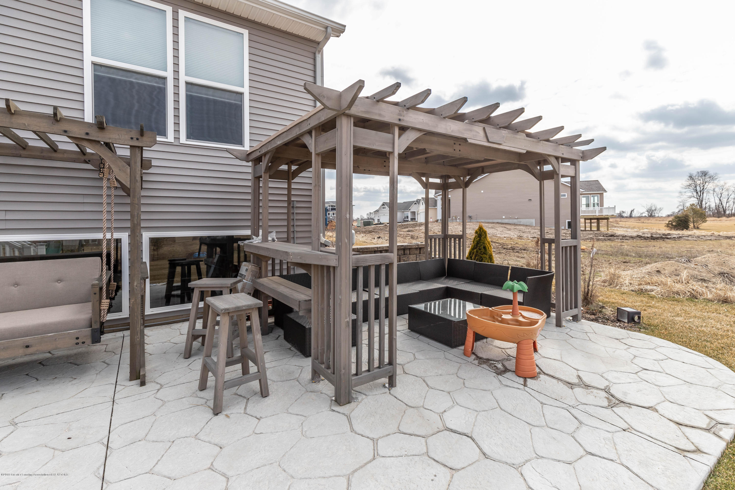 10565 Saddlebrook Dr - patio - 39