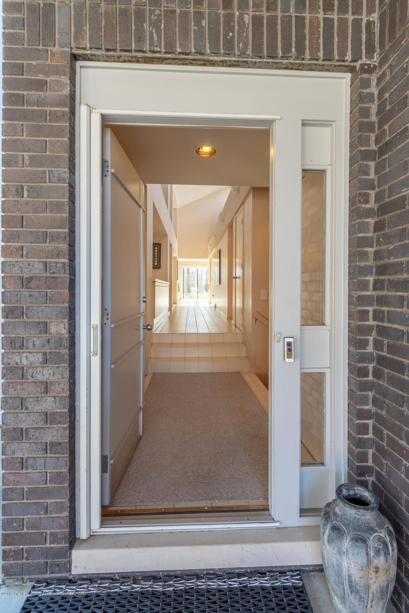 1829 Spring Lake Dr - Front Entry - 13