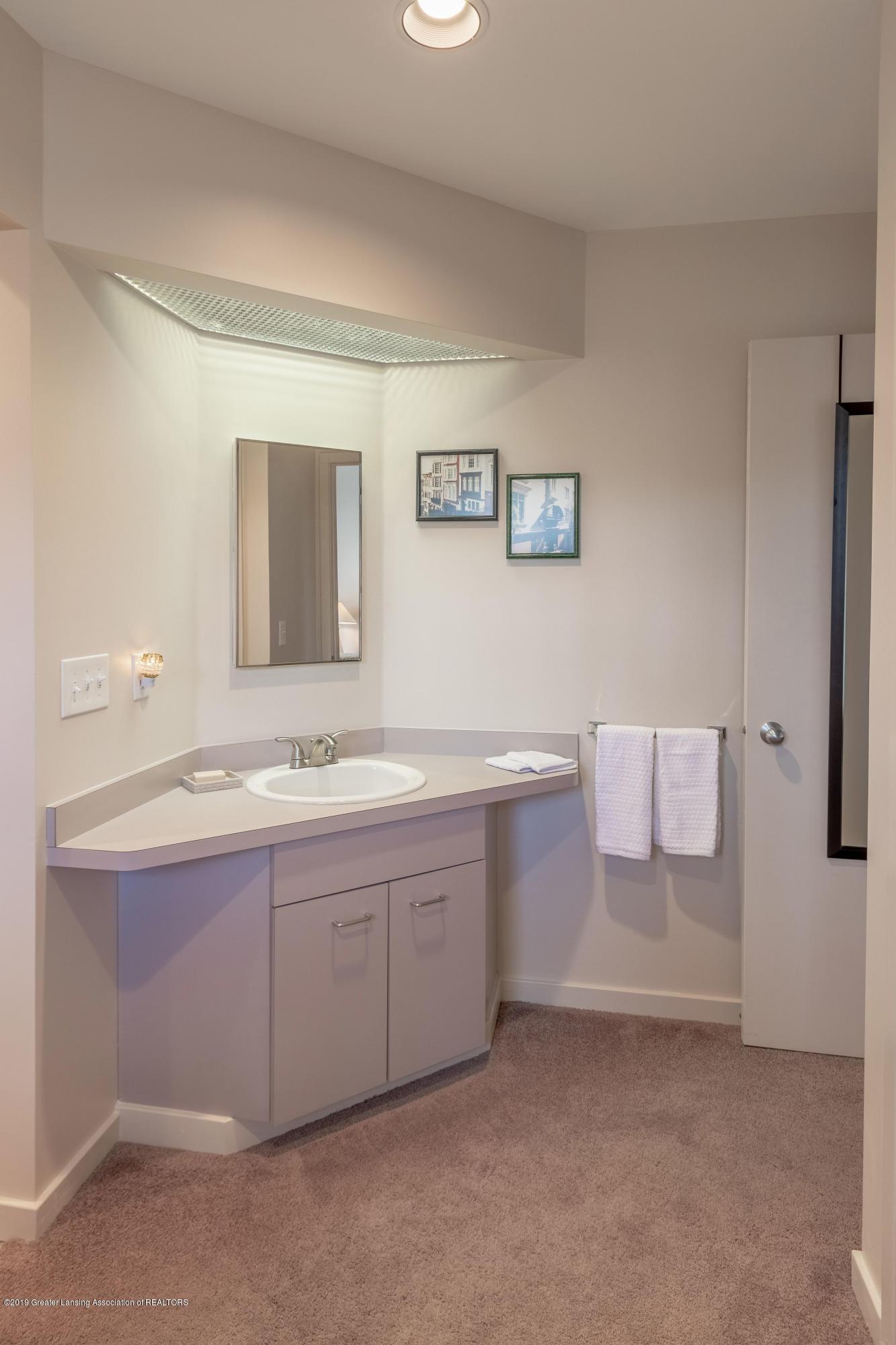 1829 Spring Lake Dr - Bathroom - 73
