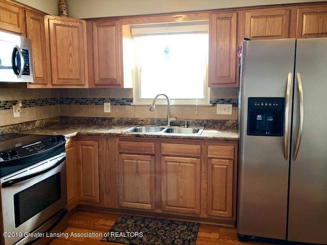 2494 W Hyde Rd - kitchen 3 - 6