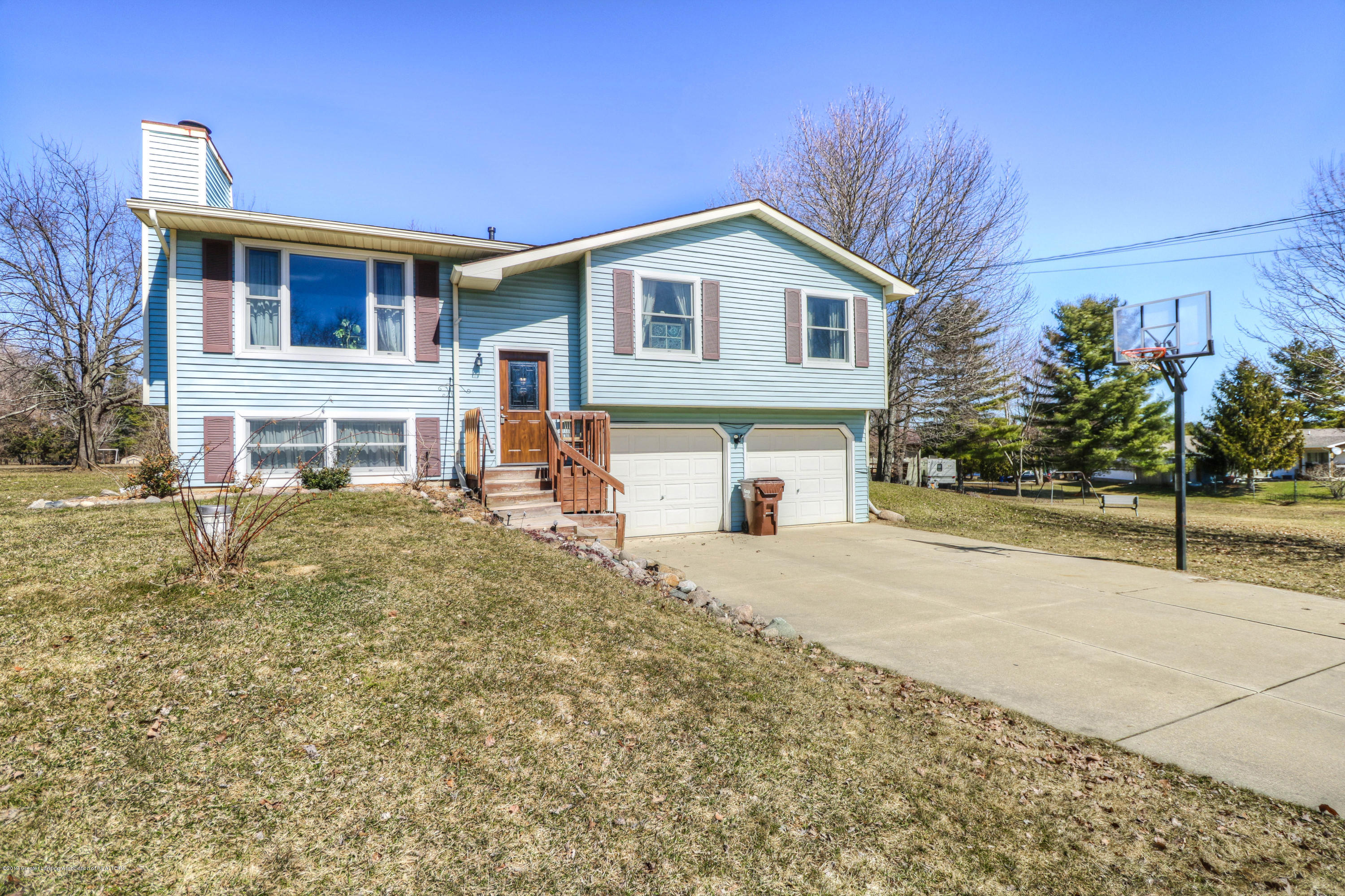 9261 Highland View Dr - 1 - 1