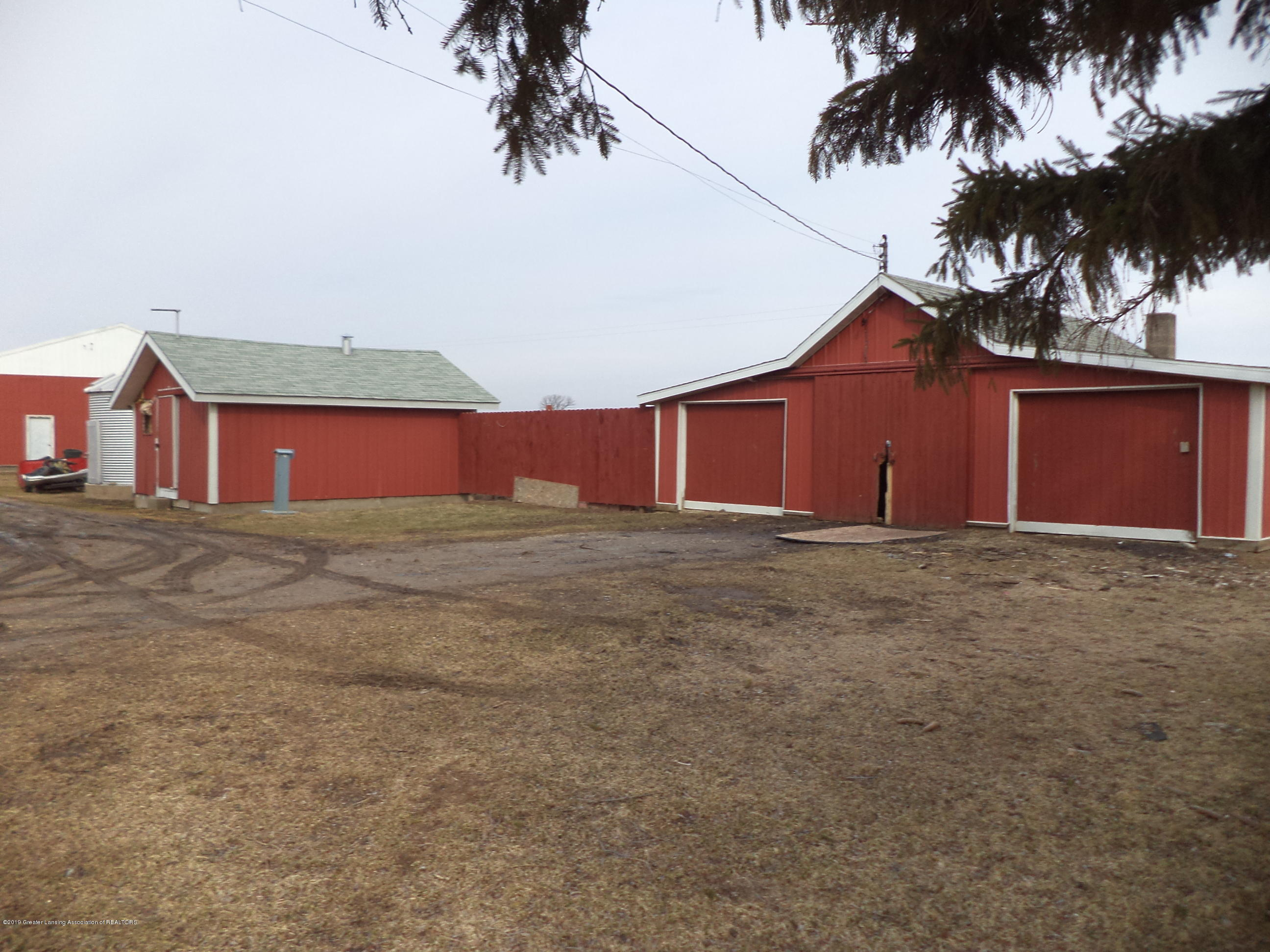4861 E Parks Rd - View of outbuildings - 25