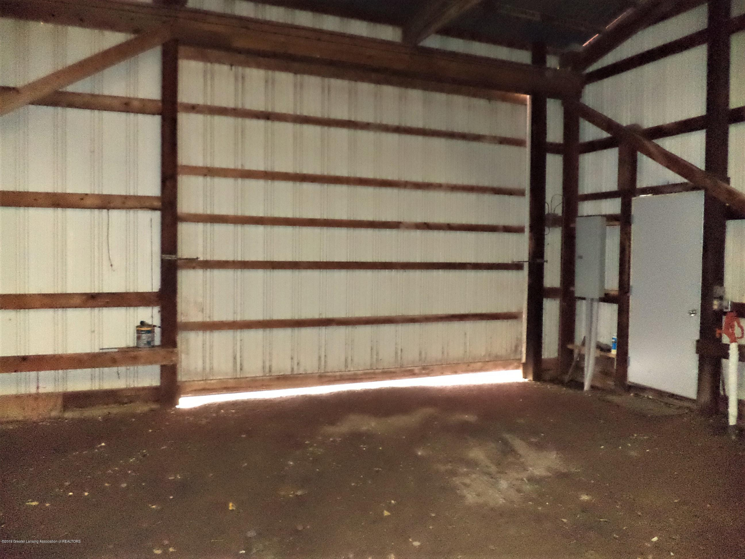 4861 E Parks Rd - Interior view of slider door - 32
