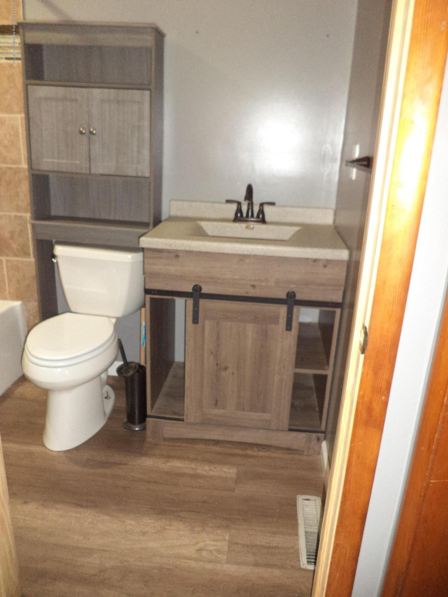 4861 E Parks Rd - New bath vanity view - 14