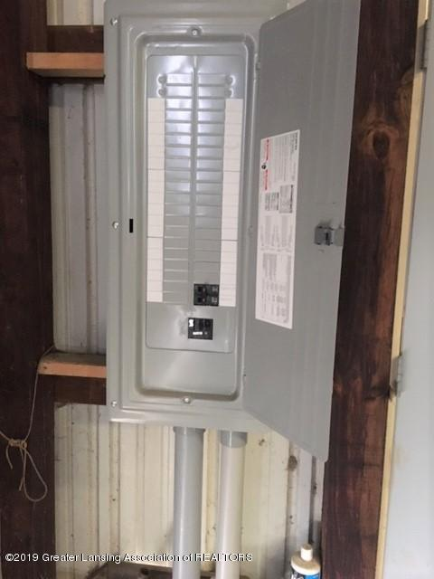 4861 E Parks Rd - pole barn electrical panel - 31
