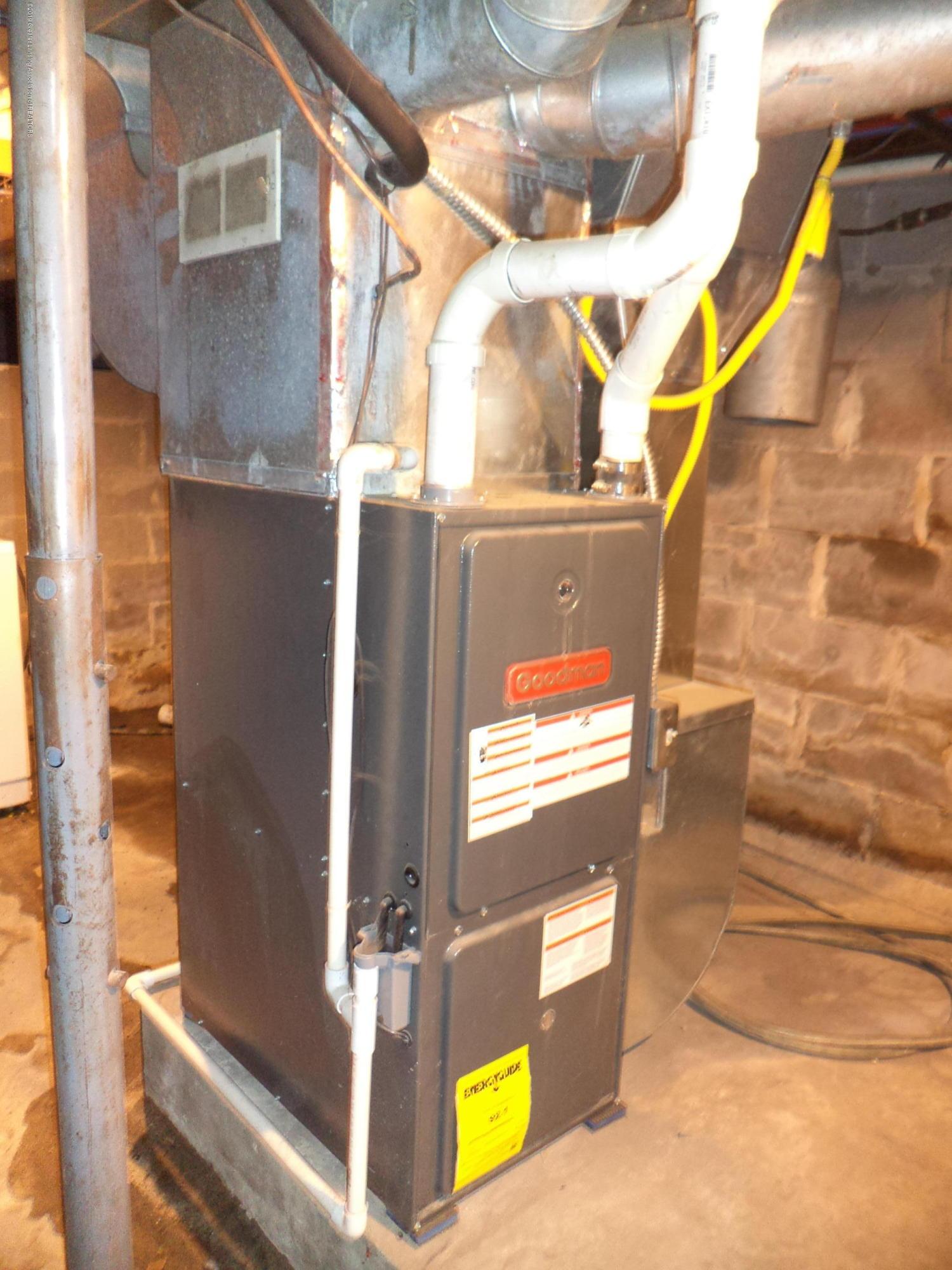 4861 E Parks Rd - Newer furnace - 19