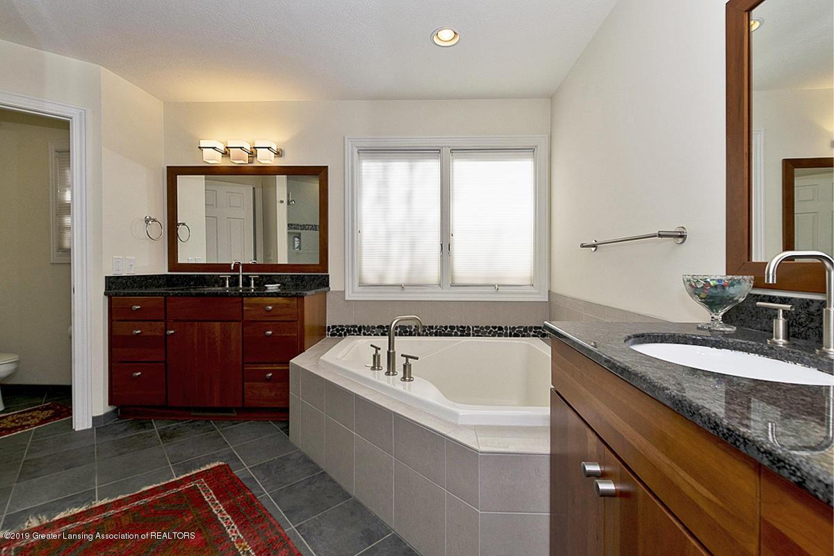 5439 W Hidden Lake Dr - 5439 W. Hidden Lake Master Bath 1 - 9