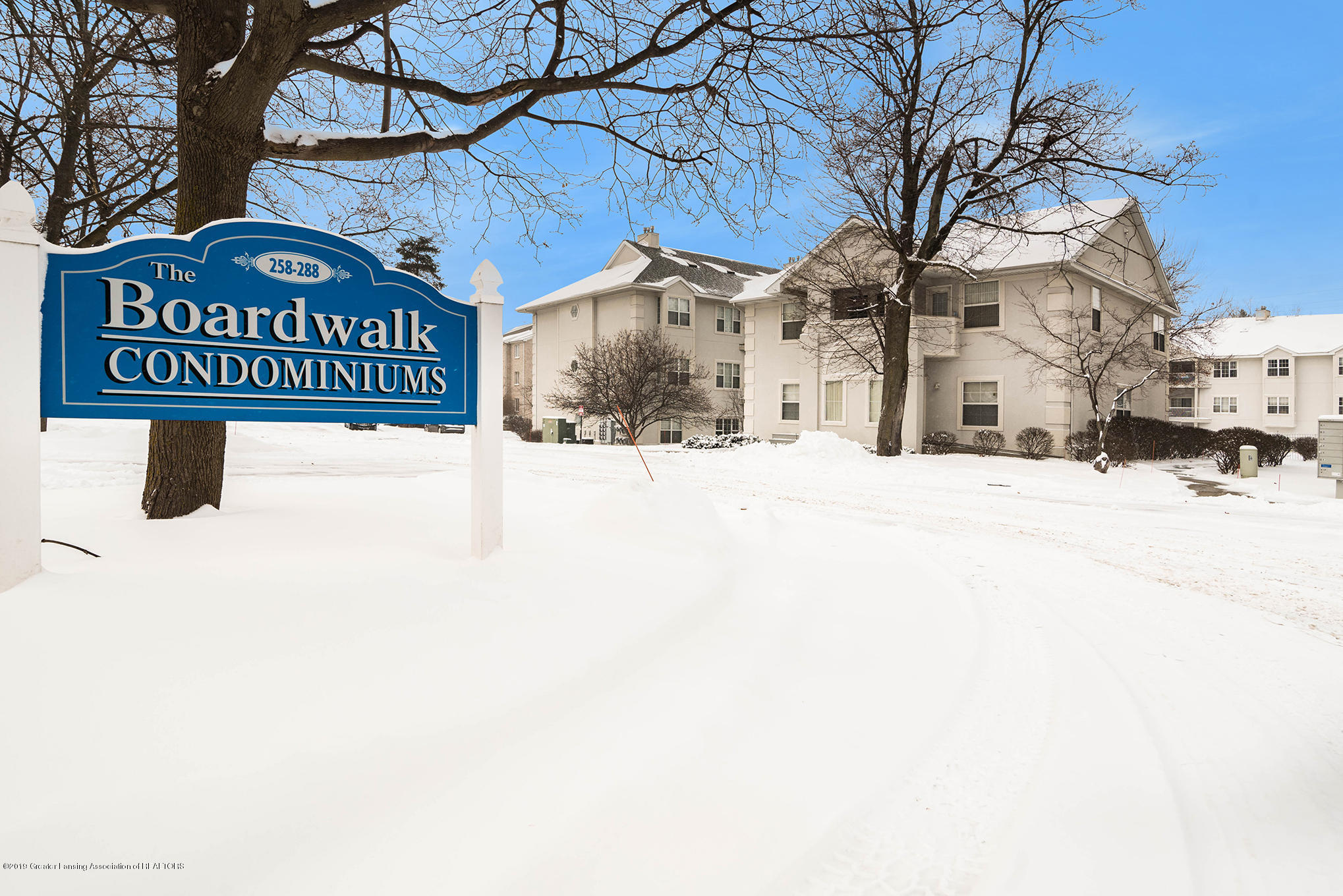 278 W Saginaw St Apt 301 - Property - 1