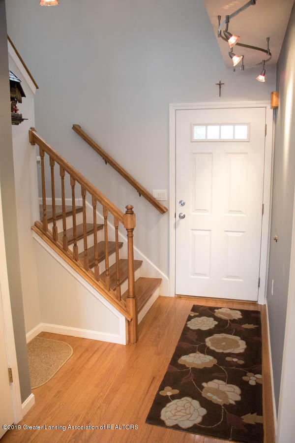 5910 Hickory Hill Dr - Foyer - 10